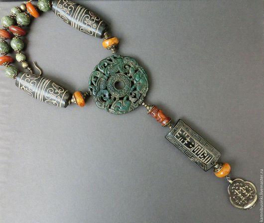 Бусы оберег `Феникс` этно стиль, старый резной нефрит, янтарь, змеевик - ручная работа Kamnibusinki.