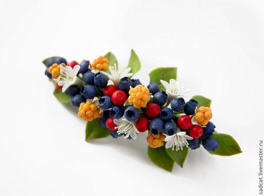 """Заколки ручной работы. Ярмарка Мастеров - ручная работа. Купить Заколка-автомат  """"северные ягоды"""". Handmade. Заколка с цветами, клюква"""