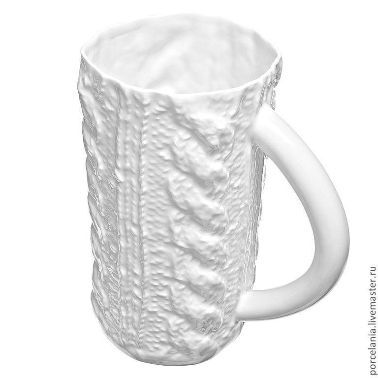 Пивная вязаная кружка\r\nУниверсальная кружка, которую, в зависимости от обстоятельств  можно использовать как вазу или чайную кружку!\r\nРазмер:  180 мм * 80 мм   700 мл.\r\nСтоимость– 1600 руб