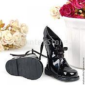Обувь ручной работы. Ярмарка Мастеров - ручная работа Обувь для кукол. Сапожки для куклы Лакированные.. Handmade.