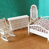 Куклы и игрушки ручной работы. Ярмарка Мастеров - ручная работа Спальный гарнитур для кукол Белый Миниатюра 1:12. Handmade.