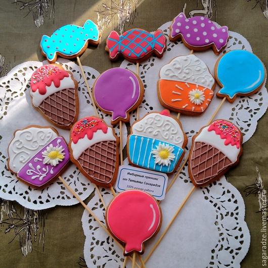 Кулинарные сувениры ручной работы. Ярмарка Мастеров - ручная работа. Купить Пряник на палочке для сладкого стола. Handmade. Разноцветный
