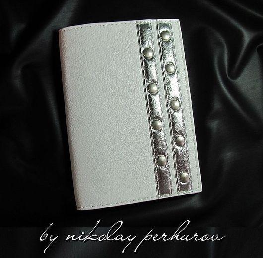 """Обложки ручной работы. Ярмарка Мастеров - ручная работа. Купить ОБЛОЖКА ДЛЯ ПАСПОРТА """" PLATINUM """" (white) НАТУРАЛЬНАЯ КОЖА. Handmade."""