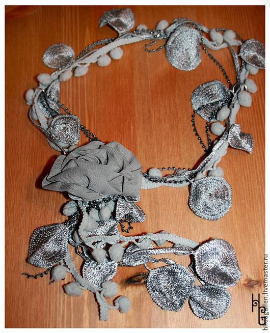"""Колье, бусы ручной работы. Ярмарка Мастеров - ручная работа. Купить Мягкое уютное винтажное колье """"Заморозки"""". Handmade. Серый"""