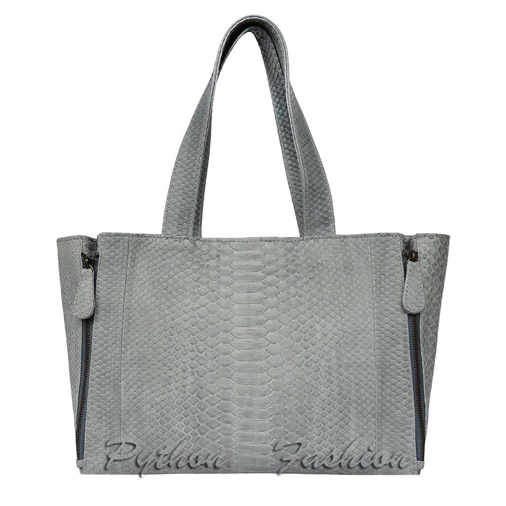 Bag made of Python. An unusual bag made from Python. Trendy women's tote bag from Python. Beautiful bag made of Python custom. Easy bag from Python. Beautiful pimonova bag handmade. Bag snake skin.