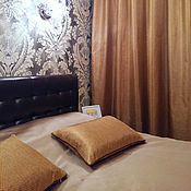 Для дома и интерьера ручной работы. Ярмарка Мастеров - ручная работа Золотые портьеры с покрывалом и подушками для спальни. Handmade.