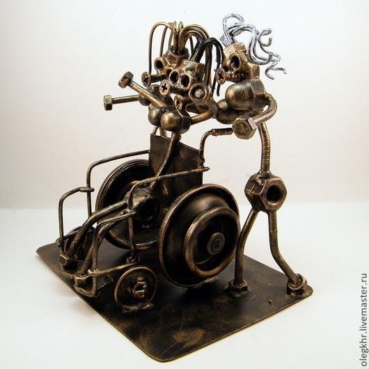 Миниатюрные модели ручной работы. Ярмарка Мастеров - ручная работа. Купить Женщина с железной волей. Handmade. Скульптурная миниатюра, припой
