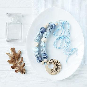 Одежда ручной работы. Ярмарка Мастеров - ручная работа Слингобусы с деревянным кулоном серо-голубые. Handmade.