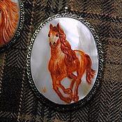 """Украшения ручной работы. Ярмарка Мастеров - ручная работа """"Рыжая лошадь"""" - кулон с росписью. Handmade."""