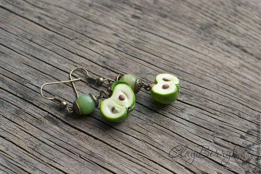 """Серьги ручной работы. Ярмарка Мастеров - ручная работа. Купить Серьги """"Зеленое яблоко"""". Handmade. Полимерная глина, подарок девушке"""