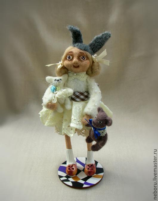 Коллекционные куклы ручной работы. Ярмарка Мастеров - ручная работа. Купить Я люблю мои игрушки!  Авторская валяная кукла.. Handmade.
