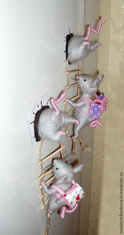 Игрушки животные, ручной работы. Ярмарка Мастеров - ручная работа. Купить Магнит мышки воришки. Handmade. Серый, мышки воришки