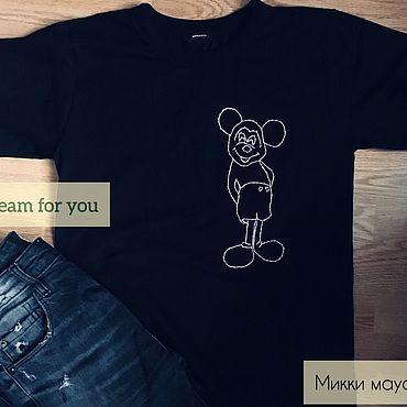 Одежда ручной работы. Ярмарка Мастеров - ручная работа Футболка мужская с ручной вышивкой - Микки Маус. Handmade.
