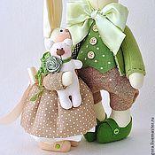 Куклы и игрушки ручной работы. Ярмарка Мастеров - ручная работа Семейство кроликов в бежево - зелёном. Handmade.