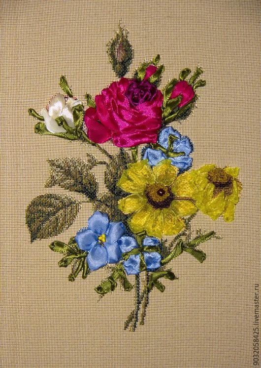Бутоньерка с розой. 18х24 см. Объемная вышивка лентами