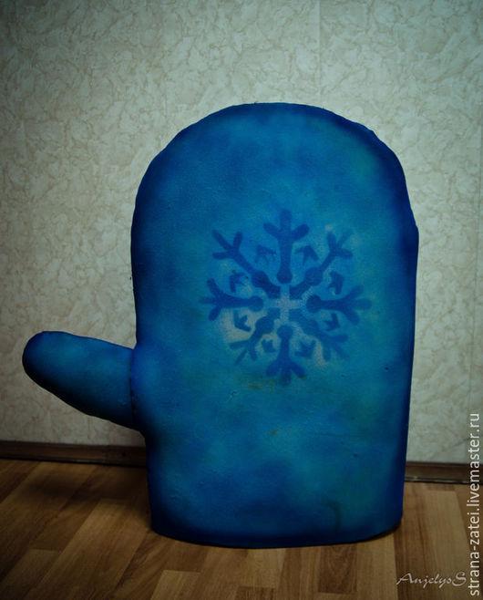 Варежки, митенки, перчатки ручной работы. Ярмарка Мастеров - ручная работа. Купить Реквизит на новый год. Варежка Деда Мороза. Handmade.