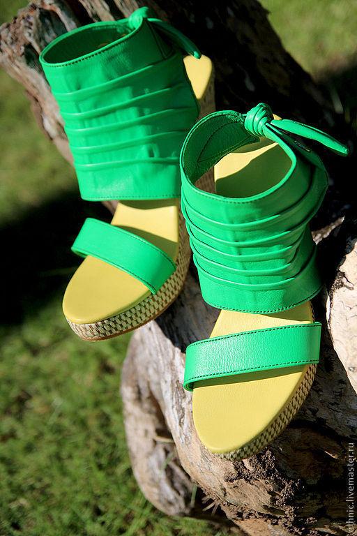 Туфли на танкетке из натуральной кожи ягненка – купить в интернет ... 70bb3f7827b
