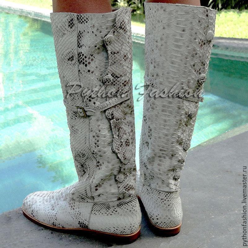 Boots Python skin. Womens boots Python. Beautiful boots made from Python. Fashionable boots with low heels. Stylish women's boots with Python skin. Unusual boots handmade.
