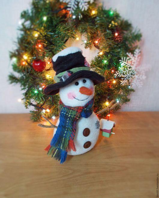 """Новый год 2017 ручной работы. Ярмарка Мастеров - ручная работа. Купить """"В ожидании гостей-красногрудых снегирей.""""Снеговик,новогодний подарок.. Handmade."""