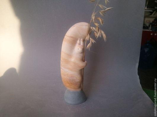 """Статуэтки ручной работы. Ярмарка Мастеров - ручная работа. Купить """"Белочка"""" скульптура малой формы. Handmade. Белочка, натуральный гипс"""