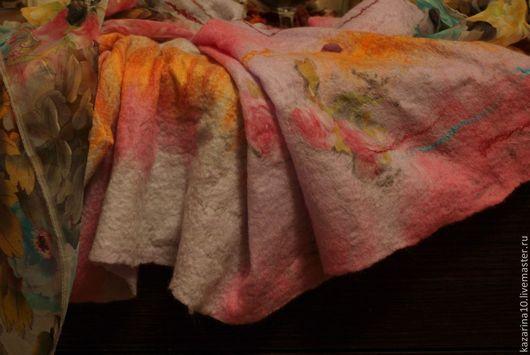 """Шали, палантины ручной работы. Ярмарка Мастеров - ручная работа. Купить Валяный палантин """"Настроение"""". Handmade. Разноцветный, подарок"""