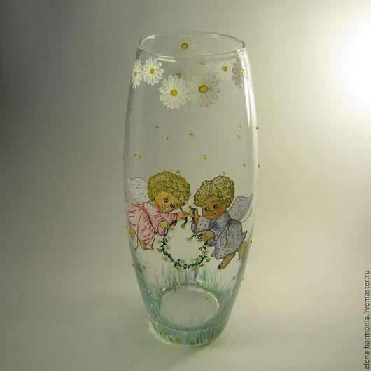 Ваза с ангелами, ваза ручной росписи на христианскую тематику. Эта нежная стеклянная ваза - украшение  интерьера в пастельных тонах. Заказать расписную вазу http://www.livemaster.ru/elena-harmonia