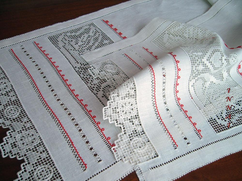 Вышивка на рушниках лебеди