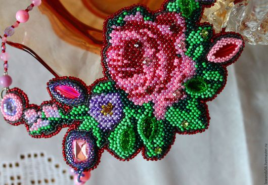 """Колье, бусы ручной работы. Ярмарка Мастеров - ручная работа. Купить Колье (вышитое) ручной работы с кристаллами Сваровски """"Роза в саду"""". Handmade."""