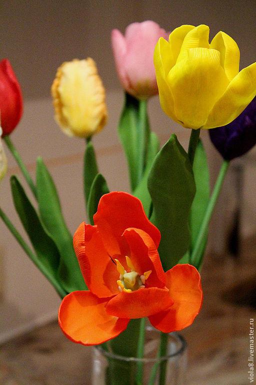 Тюльпаны,букет тюльпанов,букет цветов из полимерной глины. Красный тюльпан,белый тюльпан,фиолетовый тюльпан,букет с тюльпанами,букет интерьерный.