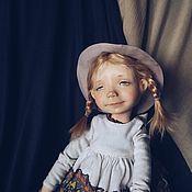 Куклы и игрушки ручной работы. Ярмарка Мастеров - ручная работа Девочка в красных чулочках. Handmade.