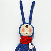 Подарки к праздникам ручной работы. Ярмарка Мастеров - ручная работа Заяцы в синем и красном. Handmade.