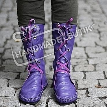 Обувь ручной работы. Ярмарка Мастеров - ручная работа Сапоги Мокасины из кожи со шнуровкой фиолетовые. Handmade.