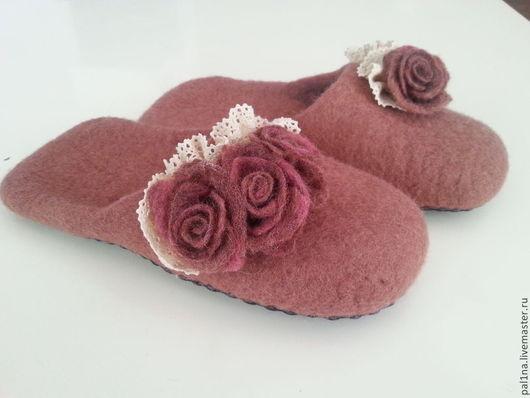 """Обувь ручной работы. Ярмарка Мастеров - ручная работа. Купить Тапочки """"Нежность"""" -2. Handmade. Розовый, обувь для дома, шерсть"""
