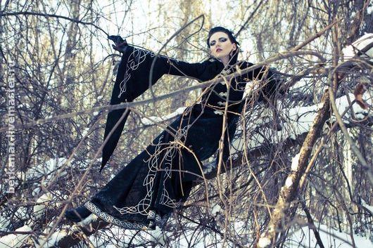"""Верхняя одежда ручной работы. Ярмарка Мастеров - ручная работа. Купить Пальто """"Black bird"""". Handmade. Средневековое пальто, черный"""