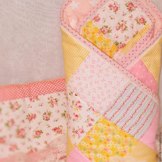Пледы и одеяла ручной работы. Ярмарка Мастеров - ручная работа. Купить Лоскутное одеяло. Handmade. Одеяло, выписка из роддома