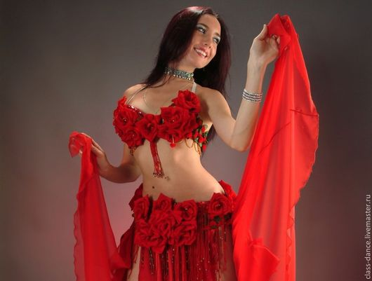 """Танцевальные костюмы ручной работы. Ярмарка Мастеров - ручная работа. Купить Костюм для танца живота """"Алые розы"""". Handmade."""