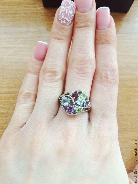 прелестные изгибы с не менее прелестными натуральными камнями..))