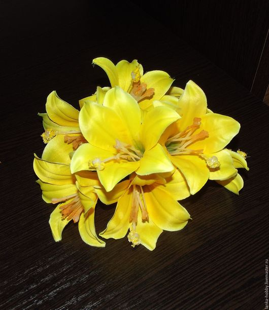 Лилейник (головка) Цвет - жёлтый -  Высота бутона 9 см Цена указана за 1 цветок В НАЛИЧИИ!!!