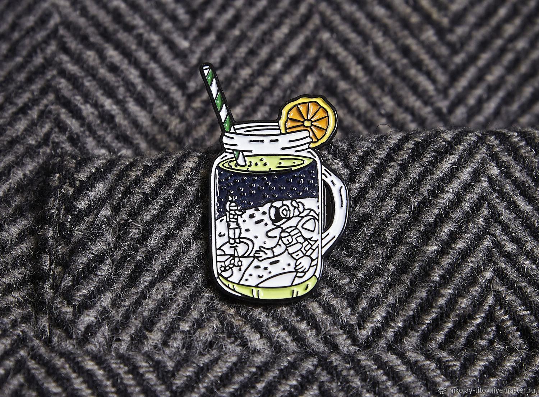 Значок Коктейль Космос, космонавт в стакане, космонавт, эмаль, Украшения, Москва,  Фото №1