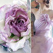 Украшения ручной работы. Ярмарка Мастеров - ручная работа Бутонная роза из шелка - заколка-брошь. Handmade.