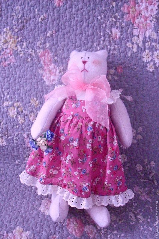 """Куклы Тильды ручной работы. Ярмарка Мастеров - ручная работа. Купить Кошка """"Фрося"""" в стиле тильда. Handmade. Брусничный, синтепон"""