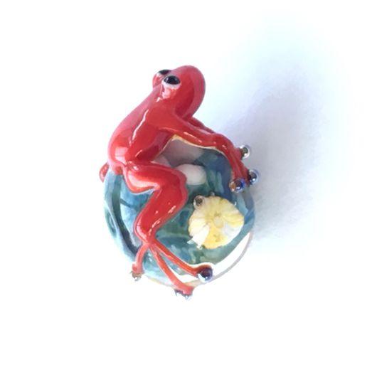 Для украшений ручной работы. Ярмарка Мастеров - ручная работа. Купить Цветочная бусина лэмпворк с лягушкой. Handmade. Лэмпворк, брелок