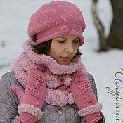 Варежки ручной работы. Ярмарка Мастеров - ручная работа Теплая вязаная женская шапка берет снуд шарф варежки на зиму Роза2. Handmade.
