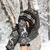 Подарки к праздникам ручной работы. Ярмарка Мастеров - ручная работа Шапка-шарф с помпоном и варежки с оленями шерсть. Handmade.