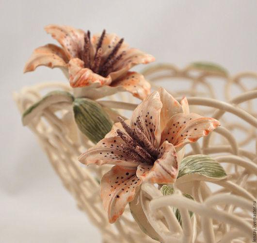 Ажурные конфетница и фруктовница Оранжевые лилии. Плетеная керамика и цветы в керамике Елены Зайченко