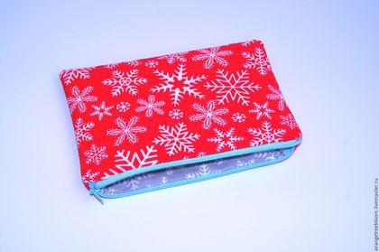 `Малышка в нарядном красном.` Косметичка. Пенал. Косметичка-пенал. Новогодний подарок. Подарок женщине. Подарок девушке.