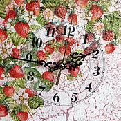 """Для дома и интерьера ручной работы. Ярмарка Мастеров - ручная работа Настенные часы декупаж """"Земляничные"""". Handmade."""
