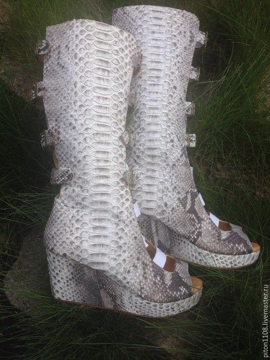 Обувь ручной работы. Ярмарка Мастеров - ручная работа. Купить Ботильоны из кожи питона. Handmade. Сапоги, сапоги из питона