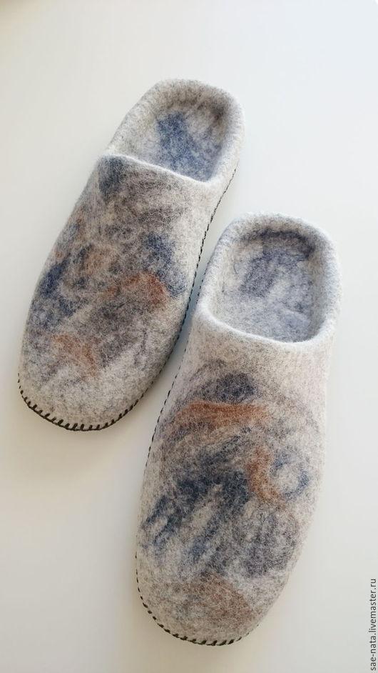 Обувь ручной работы. Ярмарка Мастеров - ручная работа. Купить Валяные тапки мужские. Handmade. Серый, мужские валяные тапки