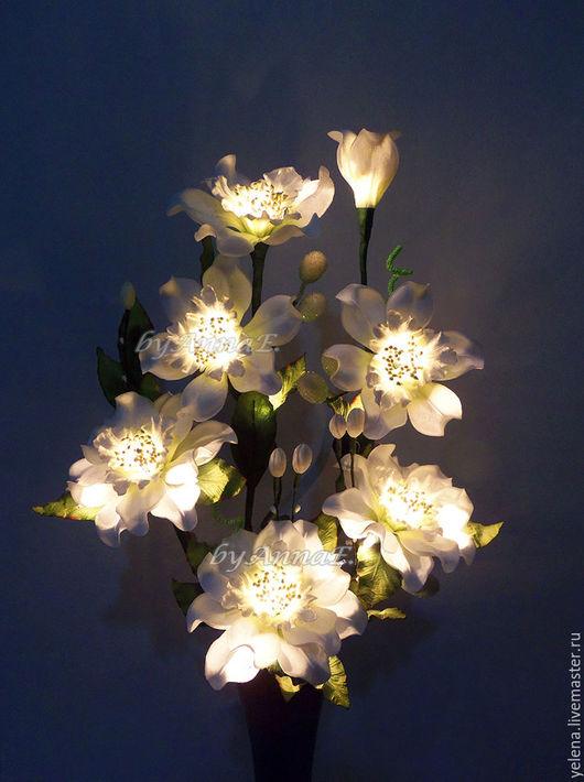 """Освещение ручной работы. Ярмарка Мастеров - ручная работа. Купить Цветы-светильник """"Марта"""". Handmade. Белый, светильники, букет цветов"""